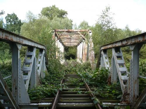 Itinerari lenti e paesaggi da scoprire lungo le linee ferroviarie dismesse