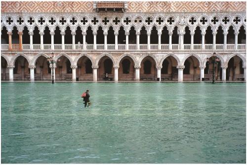 Venezia omaggia il fotografo Fulvio Roiter, 200 scatti per raccontare la sua carriera
