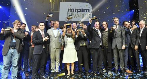 L'Italia debutta a Cannes, tre premi ai MIPIM Award 2018