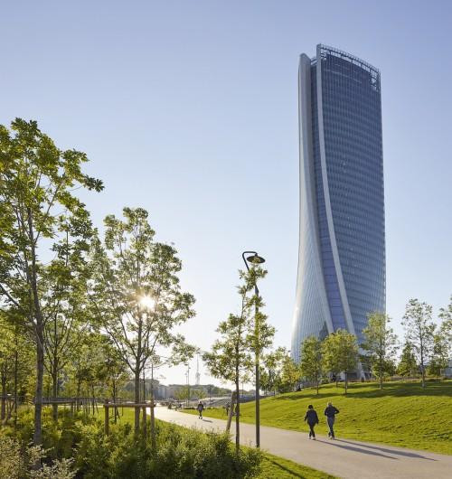 Rush finale per Zaha Hadid a Milano, in estate l'inaugurazione per la Torre Generali