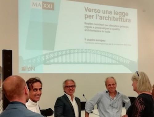 Conoscere per orientarsi in vista di una legge per l'architettura