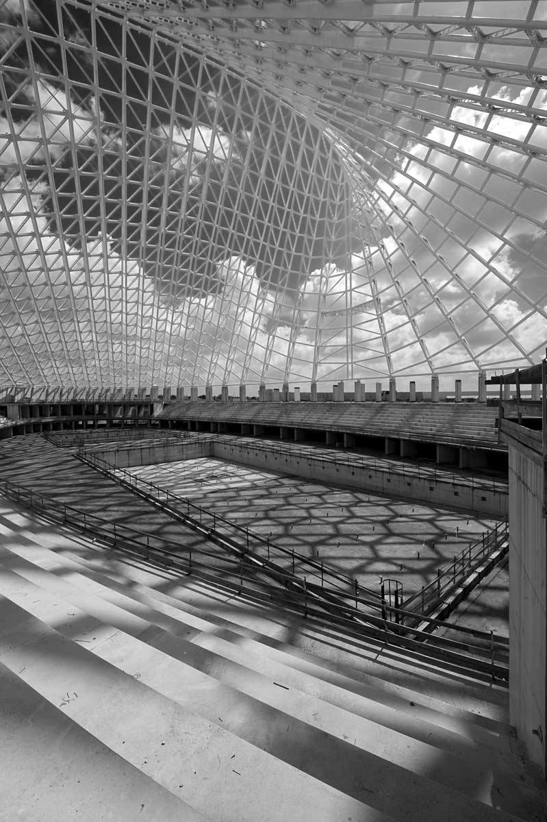 Tre anni di silenzio a Tor Vergata. Viaggio nel monumento incompiuto di Calatrava