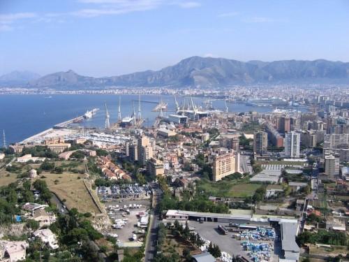 Costruire e in velocità. La lezione del Porto di Palermo