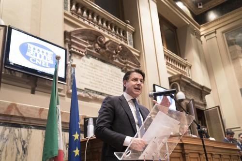 Benessere Italia, la sfida di Conte con una cabina di regia che traguarda i goals 2030
