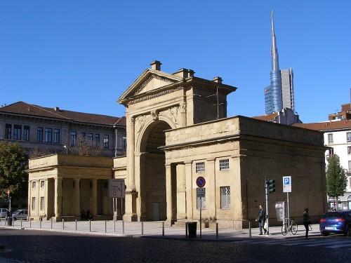 Il Comune di Milano mette in affitto i caselli daziari di Porta Nuova
