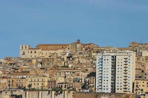 Città ibernate e consegnate al passato. Architetti, costruttori e ambientalisti in rivolta