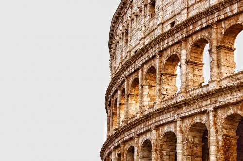 Gara lampo per la ricostruzione dell'arena del Colosseo. Online il bando Invitalia