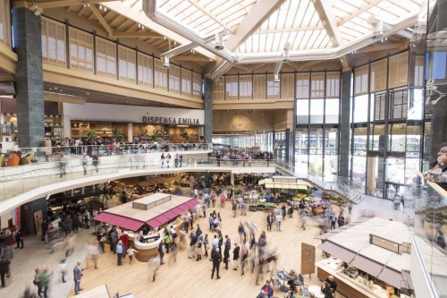 Ad Arese il centro commerciale più grande d'Italia e la struttura commerciale in legno record in Europa