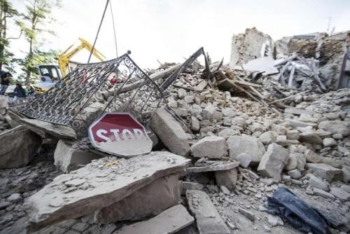 Ricostruzione Centro Italia: appelli, proposte, idee corrono sui social