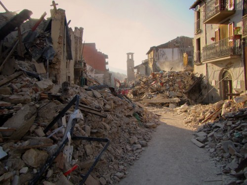 Post sisma, come fare? Team interdisciplinari per ricostruire i luoghi dello stare insieme