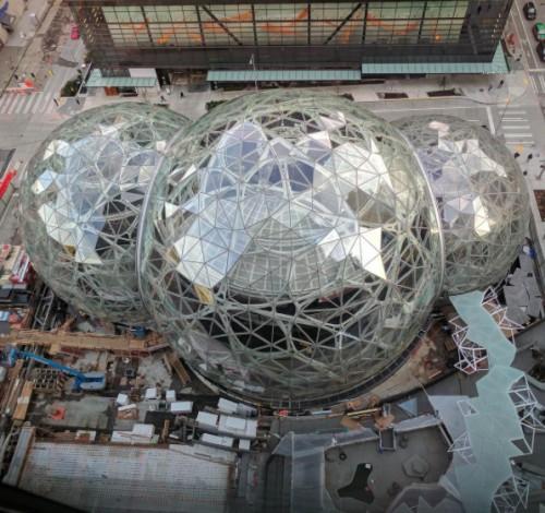 Aggiornamenti in tempo reale via social, Amazon racconta The Spheres di Seattle