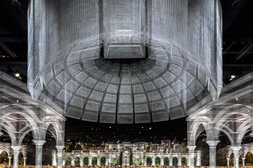 Edoardo Tresoldi sbarca ad Abu Dhabi con la sua prima opera indoor